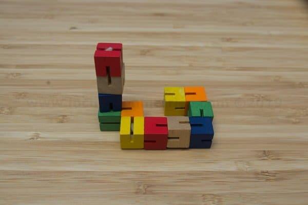 Juego de cubos de madera de colores