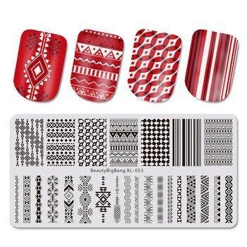 Placas de estampación de uñas con diseños geométricos rojos