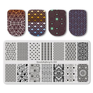 Placas de estampación de uñas con diseños geométricos marrones
