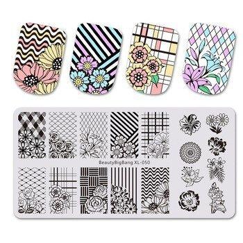 Placas de estampación de uñas con diseños de flores