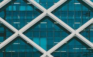 ventanas con forma de rombos
